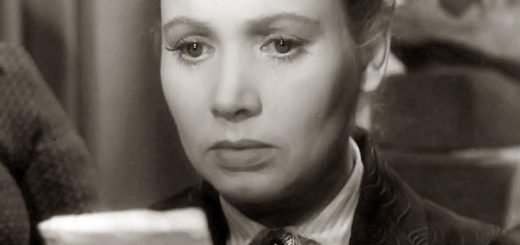 """Настя читает телеграмму, кадр из фильма по рассказу Паустовского """"Телеграмма"""""""