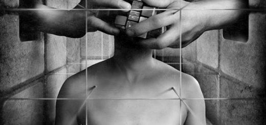 Разум и чувства. внутренний конфликт, черно-белая картинка