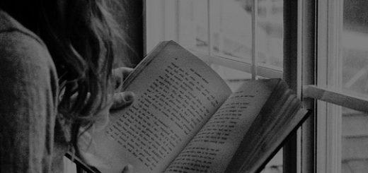 черно-белое фото, книга