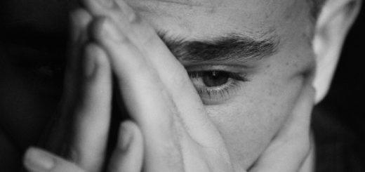 эмоции, черно-белое фото