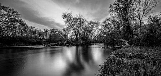 река Дон, черно-белая картинка