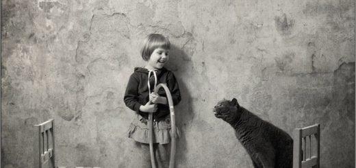 дружба, черно-белое фото