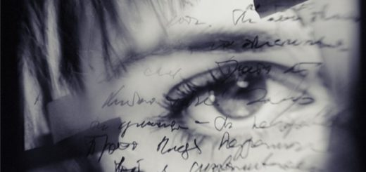 я пишу, писатель, строки, черно-белое фото