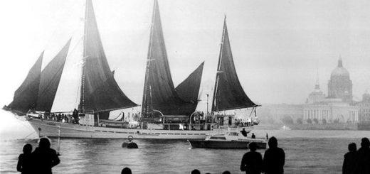 алые паруса, черно-белое фото