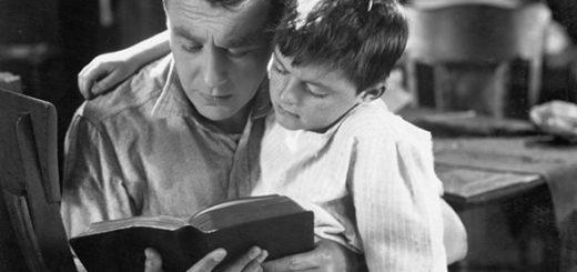 Отцы и дети, черно-белое фото