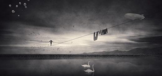 канатоходец, канат, акробат, быт, черно-белое фото