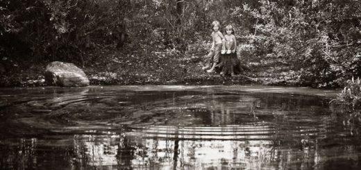 лето, горная река, дети в лесу