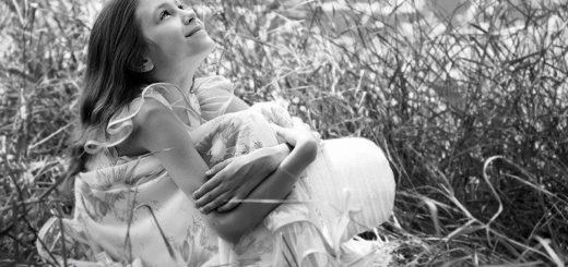счастье, девочка в поле, улыбка