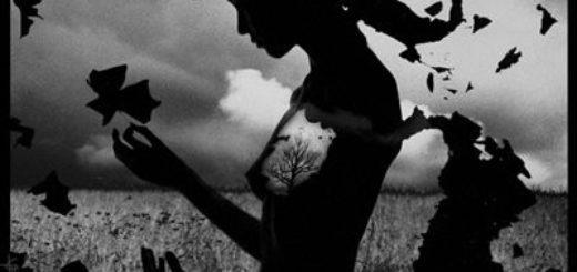 черный силуэт женщины: обида, горе, разочарование
