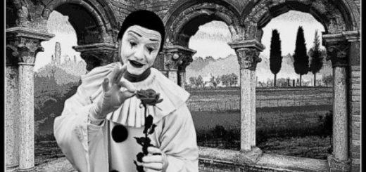 клоун и роза на красивом фоне
