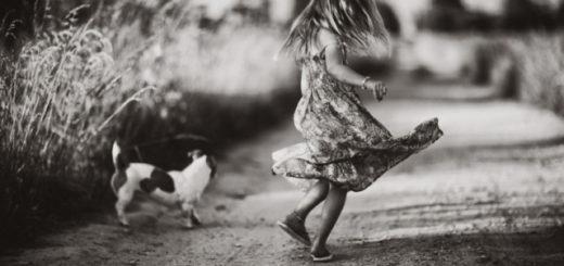 детство, доброта, девочка с собакой