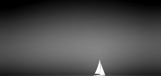 парусник в море, ночь