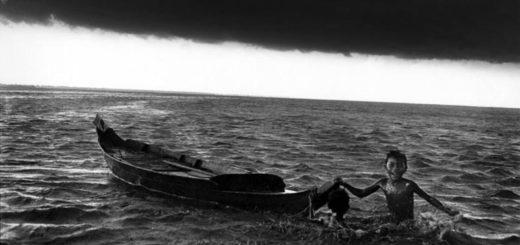 мальчик и лодка
