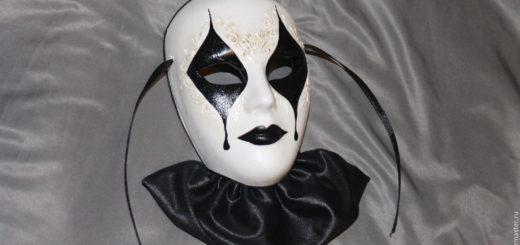 маска арлекина